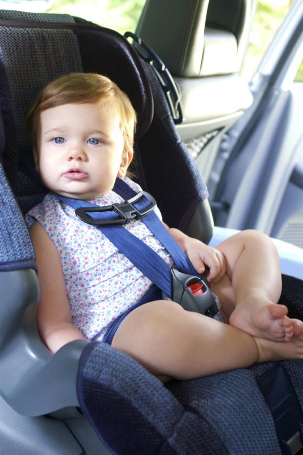 montarea scaunului auto pentru copii