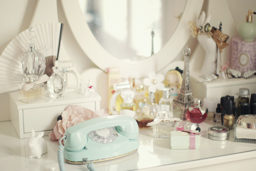 masa de toaleta pentru makeup cu oglinda