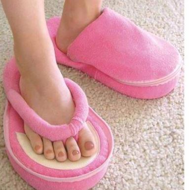 papuci pufosi de pedichiura