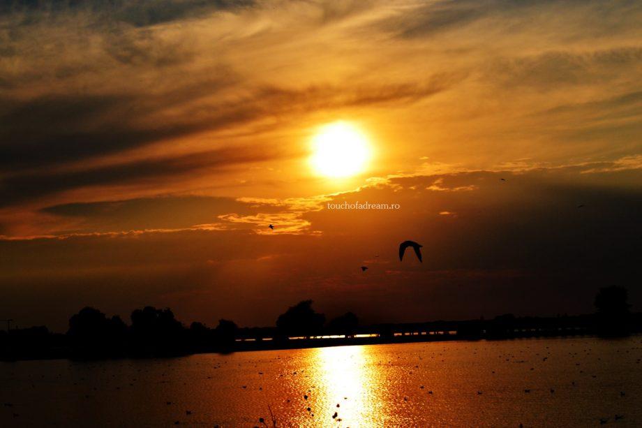 Apus peste Lacul Morii - Legenda Lacului Morii