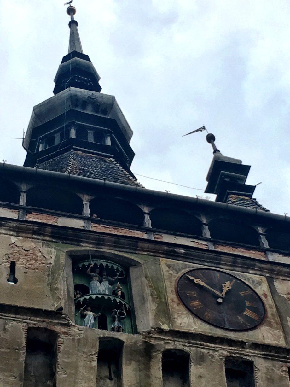 figurine turnul cu ceas