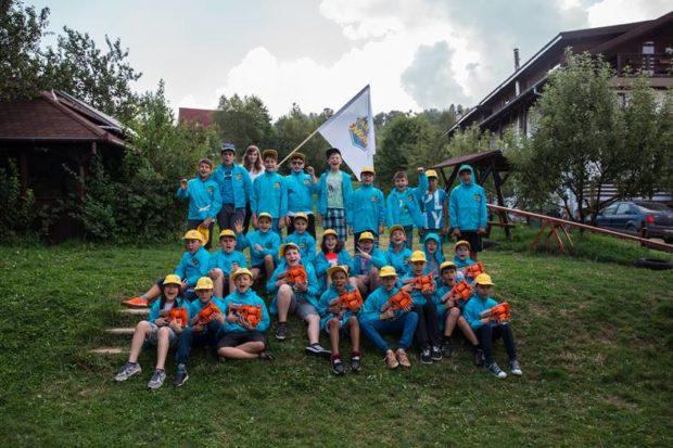 Copiii din România se pregătesc pentru cea de-a treia ediție a Taberei NERF