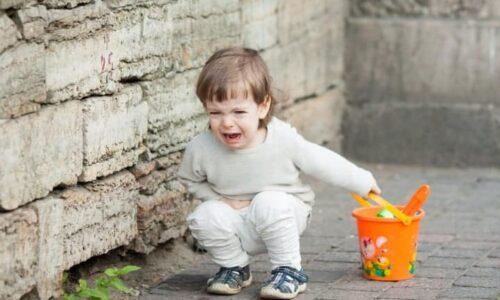 Crizele de nervi ale copiilor, tantrumurile și gestionarea lor. Tu ești părintele, tu ești în control!?